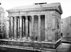 Temple d'Auguste et de Livie - Façade droite et façade postérieure
