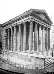 Temple d'Auguste et de Livie - Façade gauche et façade antérieure