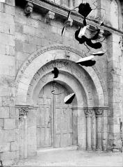 Eglise Saint-Martin - Portail de la façade nord