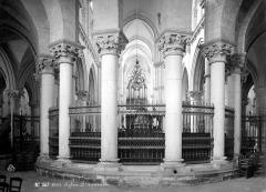 Eglise Saint-Nicolas-Saint-Lomer - Vue intérieure du déambulatoire, vers l'ouest
