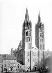 Ancienne église de Saint-Etienne-le-Vieux, actuellement magasin communal - Ensemble ouest