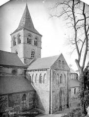 Ancien prieuré de Graville ou ancienne abbaye de Sainte-Honorine - Eglise. Façade nord : Transept et clocher
