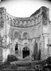 Ancien prieuré Saint-Léonard - Vue intérieure du chœur (ruines)
