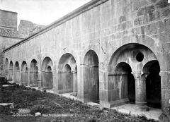Ancienne abbaye - Cloître : Galerie ouest