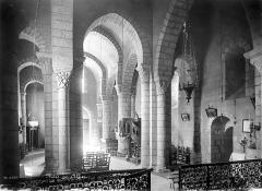 Eglise Saint-Julien - Vue intérieure de la nef vers le nord-ouest