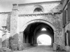 Ancien hôpital des Pèlerins - Passage de l'hôpital : Vue extérieure, côté sud