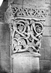Eglise Saint-Aignan (ancienne collégiale) - Chapiteau du choeur