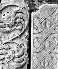 Ancienne abbaye de Gellone - Fragments de sculptures de l'ancien cloître