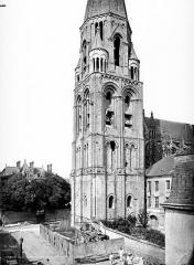Ancienne abbaye de la Trinité - Eglise : Clocher, côté sud-ouest