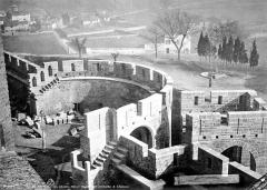 Cité de Carcassonnne - Tour crénelée et châtelet