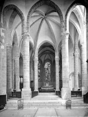 Eglise abbatiale Saint-Pierre - Vue intérieure du choeur