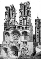 Ancienne cathédrale, actuellement église Notre-Dame, et cloître - Façade ouest