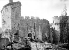 Château de Bonaguil - Façade d'entrée : Pont-levis