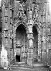 Eglise Saint-Germain - Porche de la façade nord