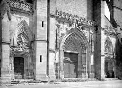 Basilique Notre-Dame - Portails de la façade ouest