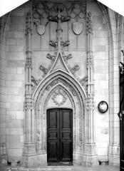 Basilique Notre-Dame - Porte de la sacristie