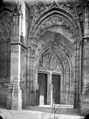 Ancienne abbaye - Eglise : Portail de la façade nord