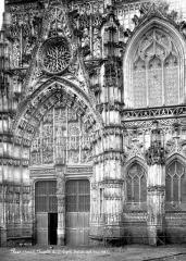Chapelle du Saint-Esprit - Portail de la façade sud