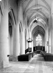 Eglise paroissiale Saint-Just - Vue intérieure de la nef vers le choeur