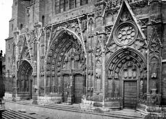 Eglise Saint-Maurice, anciennement cathédrale - Portail de la façade ouest