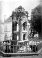 Fontaine Saint-Lazare - Vue d'ensemble