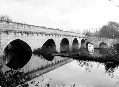 Ancienne abbaye - Pont coudé sur la Dronne