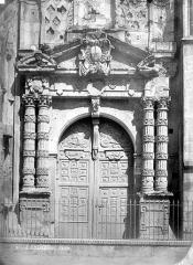 Eglise Saint-Martin - Portail sud de la façade ouest