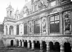 Hôtel de ville - Cour intérieure : Façade
