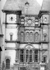 Hôtel Cabu ou maison dite de Diane de Poitiers, actuellement Musée archéologique et historique de l'Orléanais - Façade sur rue