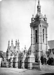 Eglise Notre-Dame - Façade sud et clocher