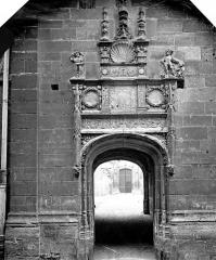 Ancien archevêché ou ancien palais archiépiscopal - Porte