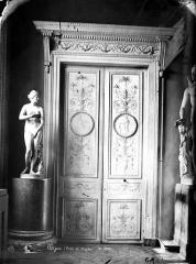 Palais des Ducs et des Etats de Bourgogne - Porte du musée