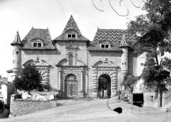 Ancienne abbaye, actuellement hôtel de ville - Vue d'ensemble