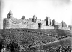 Cité de Carcassonnne - Vue d'ensemble du côté de la ville