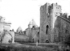 Cité de Carcassonne - Vue intra-muros : Porte de Saint-Nazaire ou des Lices