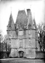 Château de Carrouges - Châtelet d'entrée