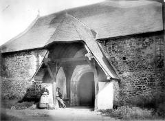 Eglise Saint-Martin - Porche