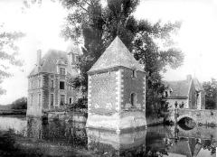Château de la Morinière - Vue d'ensemble avec le pavillon d'angle