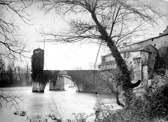 Vestiges d'un ancien pont - Vue d'ensemble