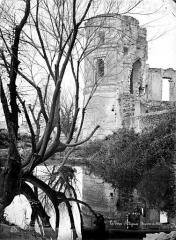 Château - Tour d'angle, côté ouest