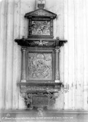 Collégiale, puis cathédrale Notre-Dame, actuellement église paroissiale Notre-Dame - Monument funéraire de Jean Louchart : Le Christ parmi les docteurs et le Christ entouré d'anges