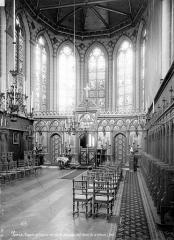 Ancien collège de Beauvais, actuelle église orthodoxe roumaine - Chapelle : Vue intérieure de la nef vers le chœur