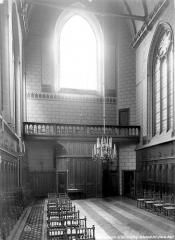 Ancien collège de Beauvais, actuelle église orthodoxe roumaine - Chapelle : Vue intérieure de la nef vers l'entrée
