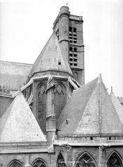 Eglise Saint-Gervais-Saint-Protais - Angle sud-est : Toitures et tour