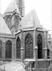 Eglise Saint-Gervais-Saint-Protais - Angle sud-est : Abside