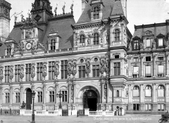 Hôtel de ville - Façade sur le parvis