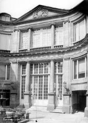 Hôtel Lambert - Façade sur cour