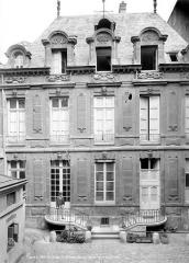 Hôtel de Chalons-Luxembourg - Façade sur la cour