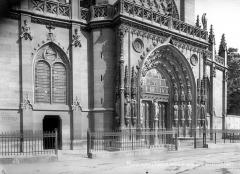 Eglise Saint-Laurent - Façade ouest : Partie inférieure
