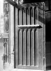 Eglise Saint-Nicolas-des-Champs - Porte centrale : Vantail de gauche